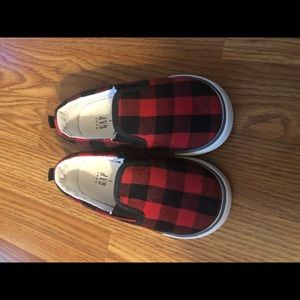 Gap buffalo plaid shoes 7 toddler